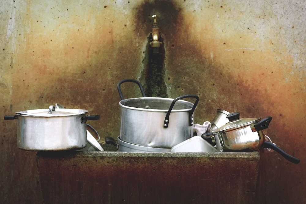 use of aluminum pots and pans