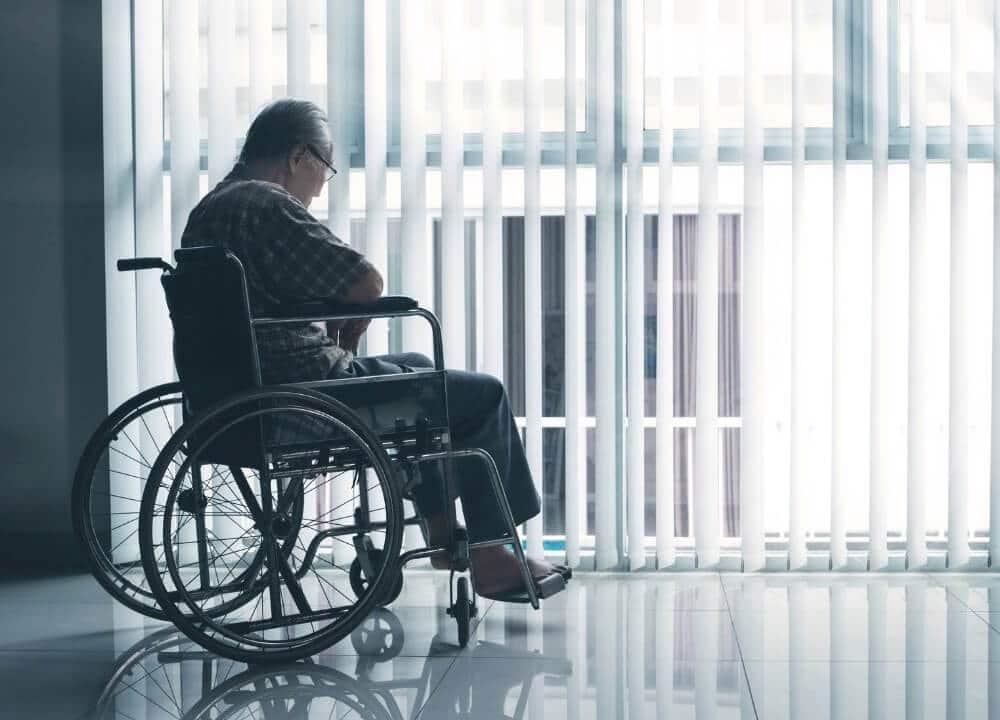 symptoms of behavioral variant frontotemporal dementia