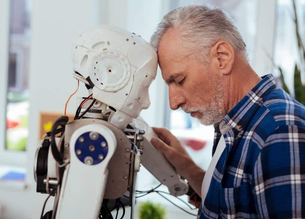 using social robots in advanced dementia treatment