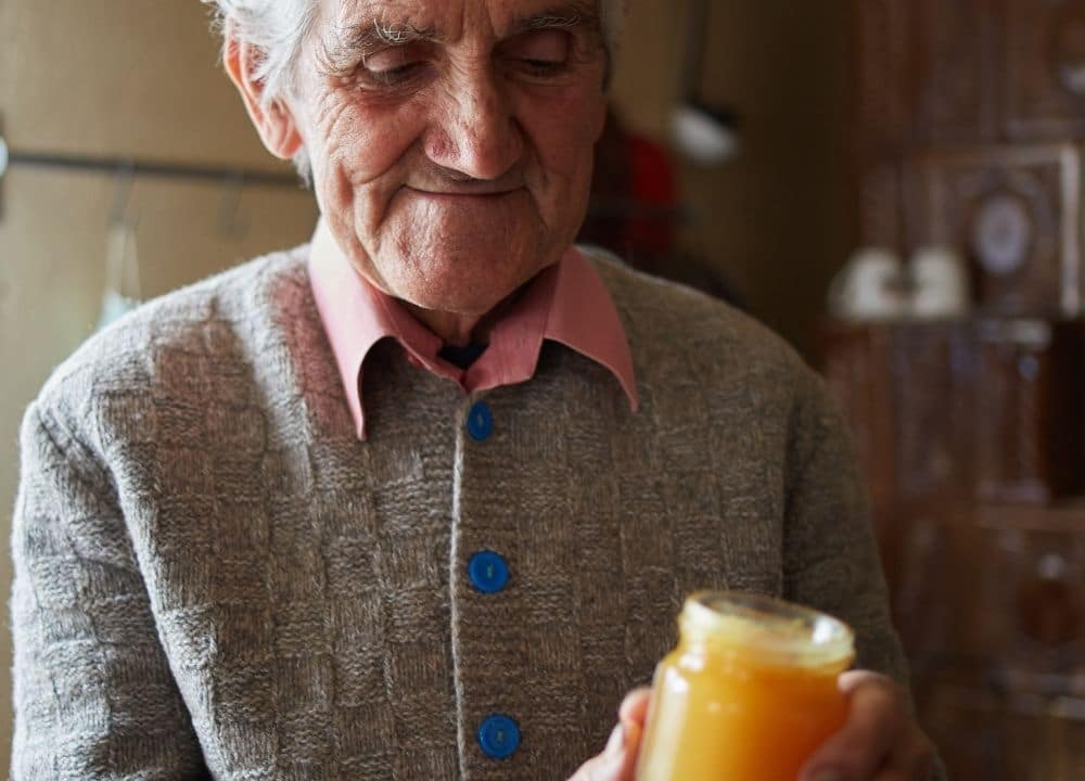 how honey can help reduce the risk of dementia